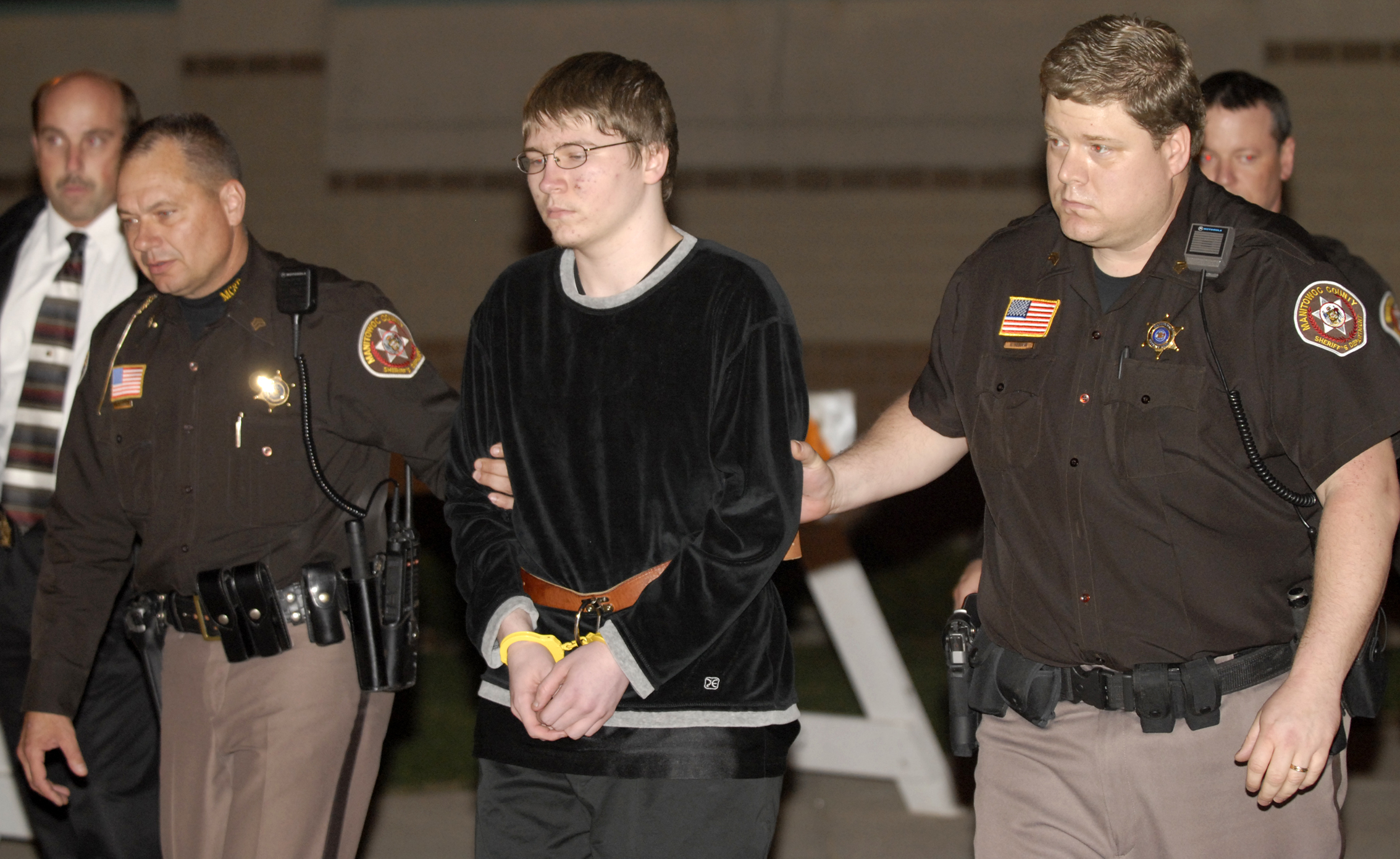 Brendan Dassey walks to the courthouse to hear the verdict in his case Wednesday night, April 25, 2007, in Manitowoc, Wis. (Sue Pischke, Pool/AP Photo)