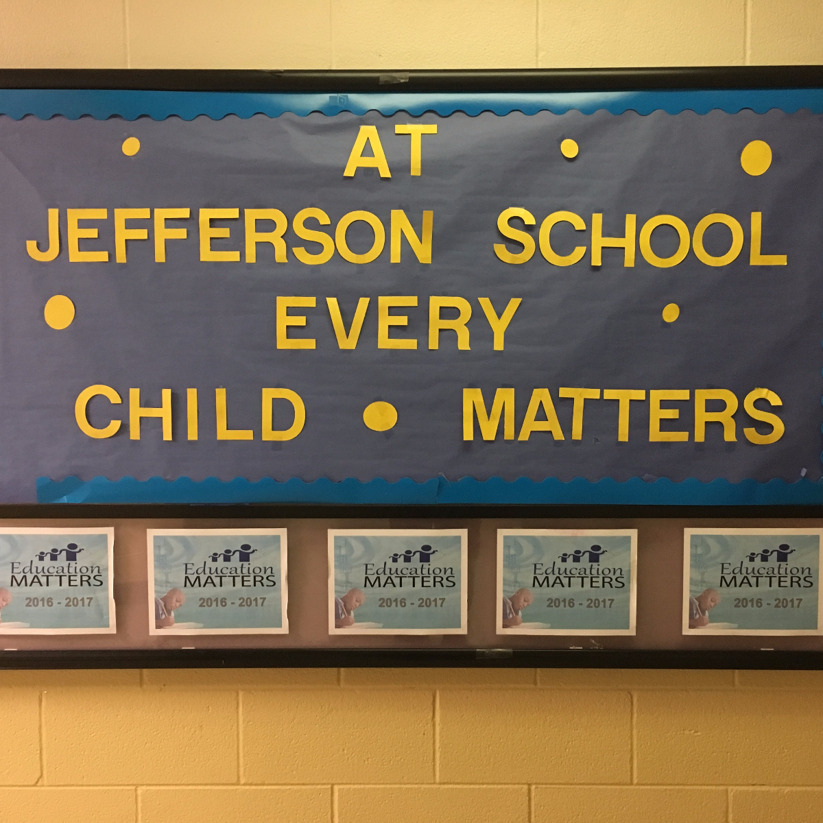 A bulletin board inside Jefferson Elementary School at 601 Jackson St. in Gary, Indiana.(Michael Puente/WBEZ)