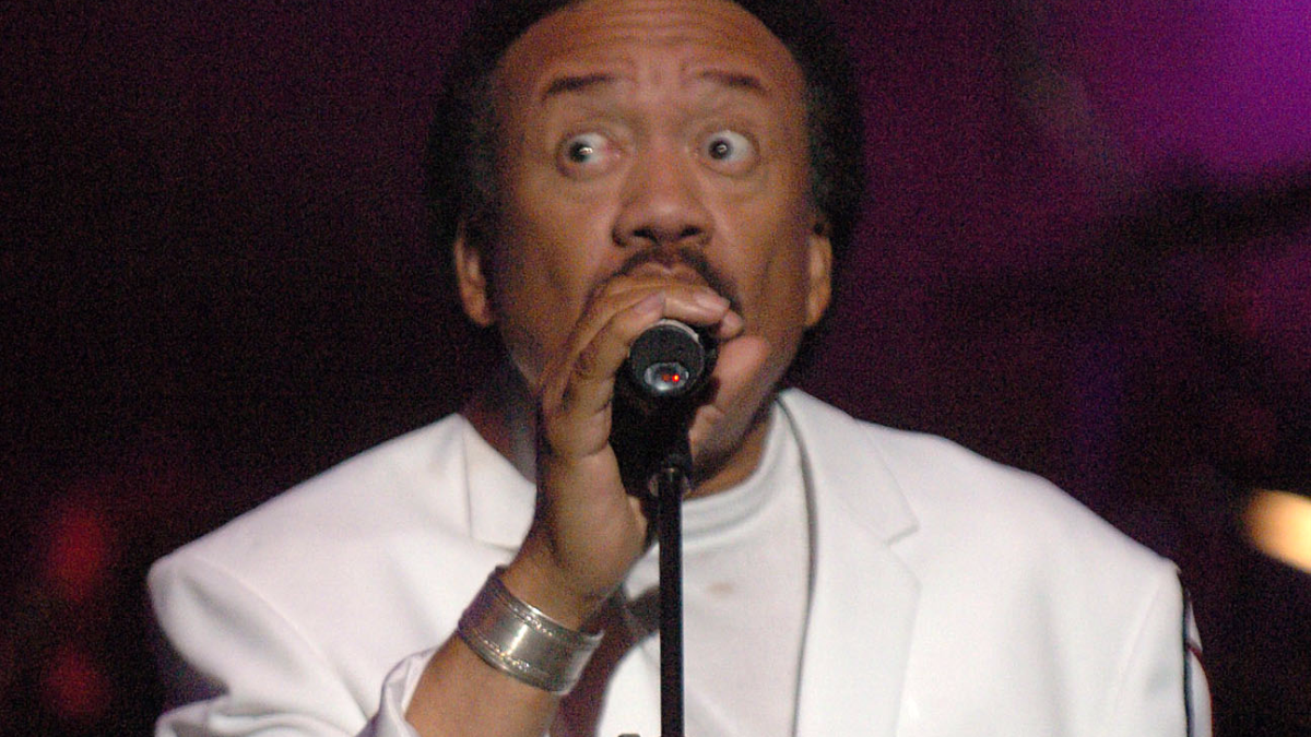 Maurice White, of Earth, Wind, & Fire, performs at a 'Grammy Jam' event held at The Wiltern LG in Los Angeles, Calif. on Dec. 11, 2004. (AP Photo/Phil McCarten).