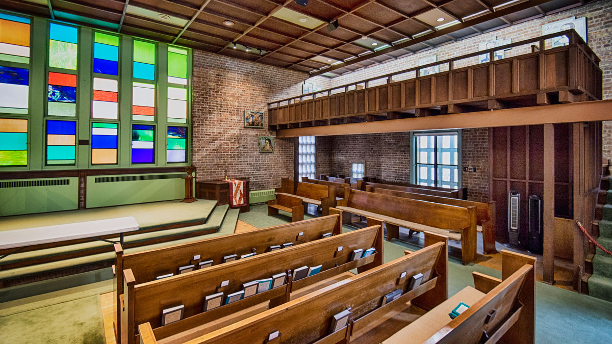The Third Unitarian Church on Chicago's West Side features a loft-like structure for additional seating. (Jason Marck/WBEZ)