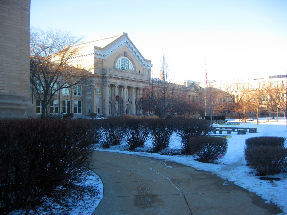 Senn High School in Chicago's Edgewater neighborhood in December 2010. (laschofield2001/Flickr)