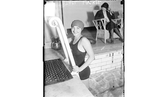 While boys swam naked, girls wore suits, often made of wool. (SDN-065377, Chicago Daily News negatives collection, Chicago History Museum)