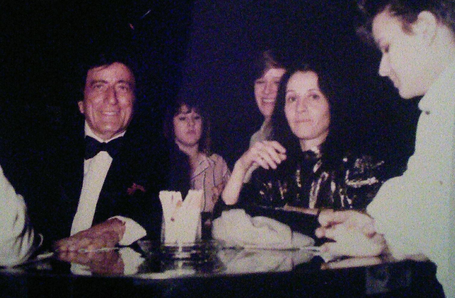 Legendary singer Tony Bennett (left) was one of many famous performers at The Gold Star Sardine Bar, according Bennett's Chicago publicist Debbie Silverman Krolik (second from right). (Courtesy Debbie Silverman Krolik's private collection)