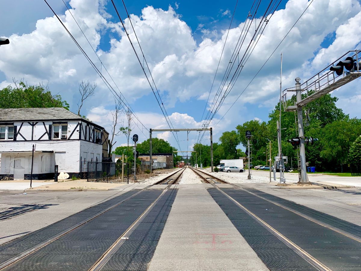 A view of the Metra Electric line from 91st Street in South Chicago