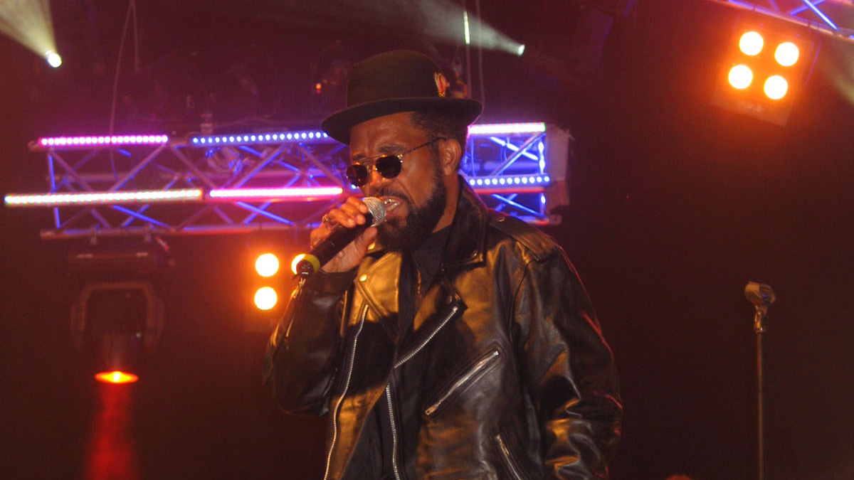 Prince Buster performing at the Cardiff Festival in Cardiff, U.K. in August 2008. (Yerpo/Wikimedia Commons).