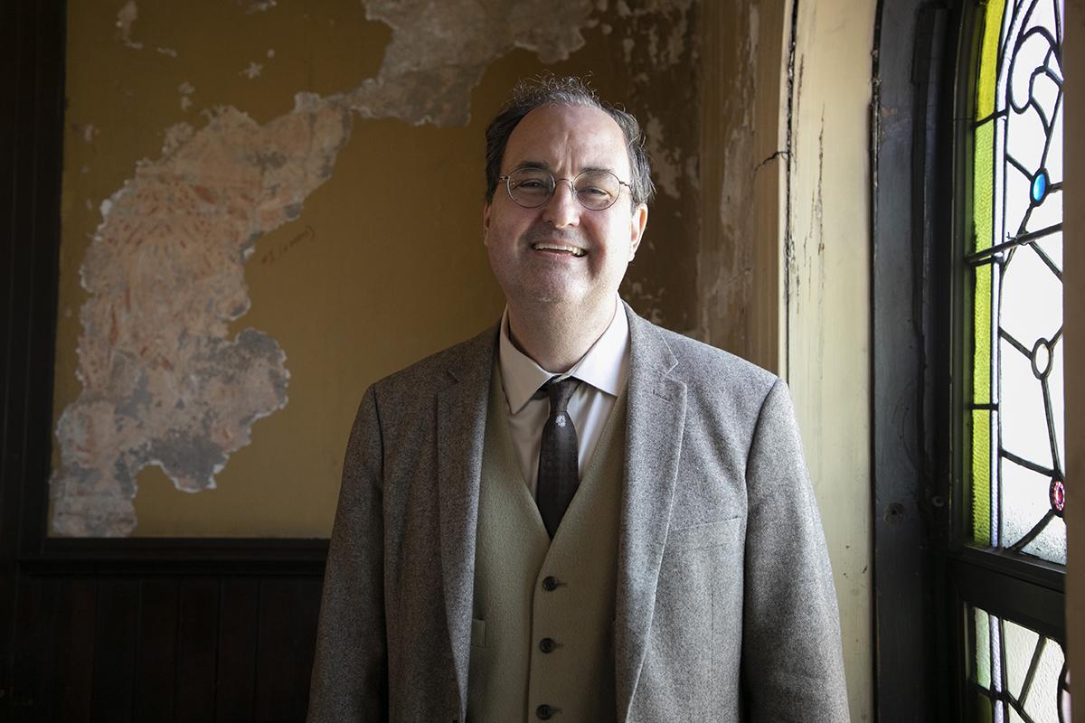 Questioner Tim Larson