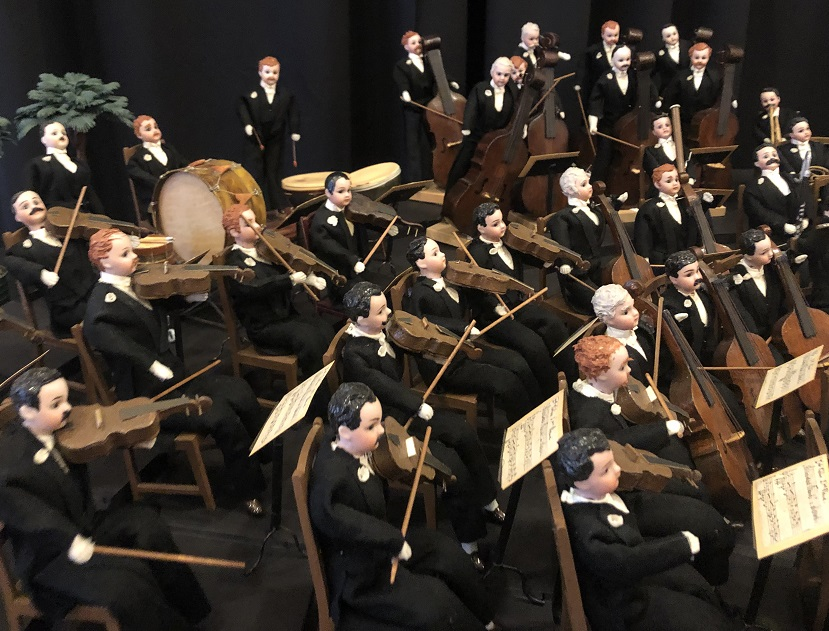 Frances Glessner Lee created a miniature Chicago Symphony Orchestra as a gift for her mother. Each of the 90 members had a white carnation on his lapel.