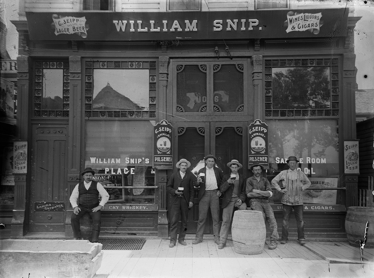 William Snip bar Chicago