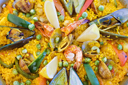 An example of Paella Valenciana (Wootton King/Flickr).
