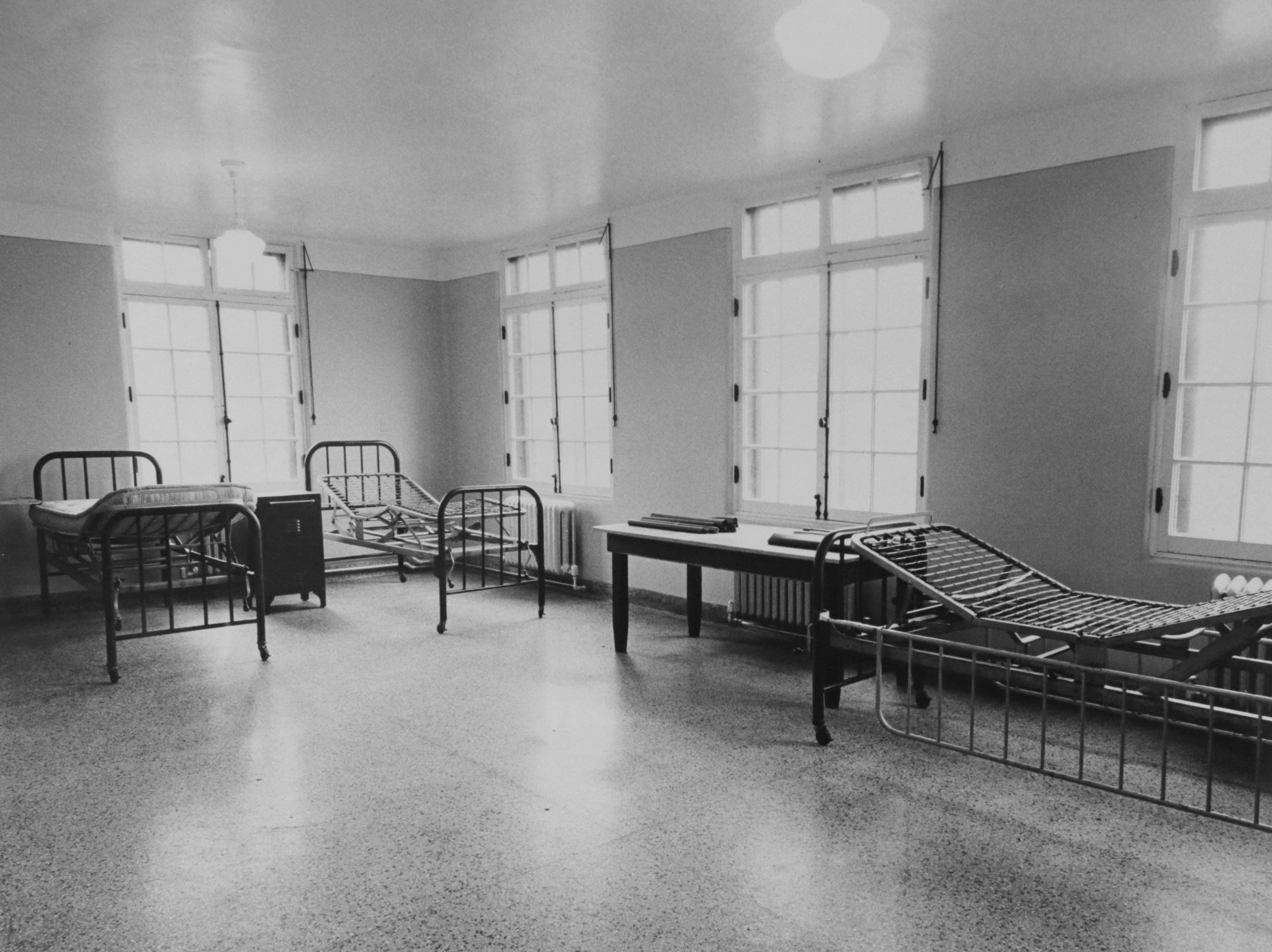 By the 1950s, even though TB patients could be treated with antibiotics fairly easily at home, many were still sent to the sanitarium to be monitored because TB recurrence was so common. (Courtesy North River Commission)