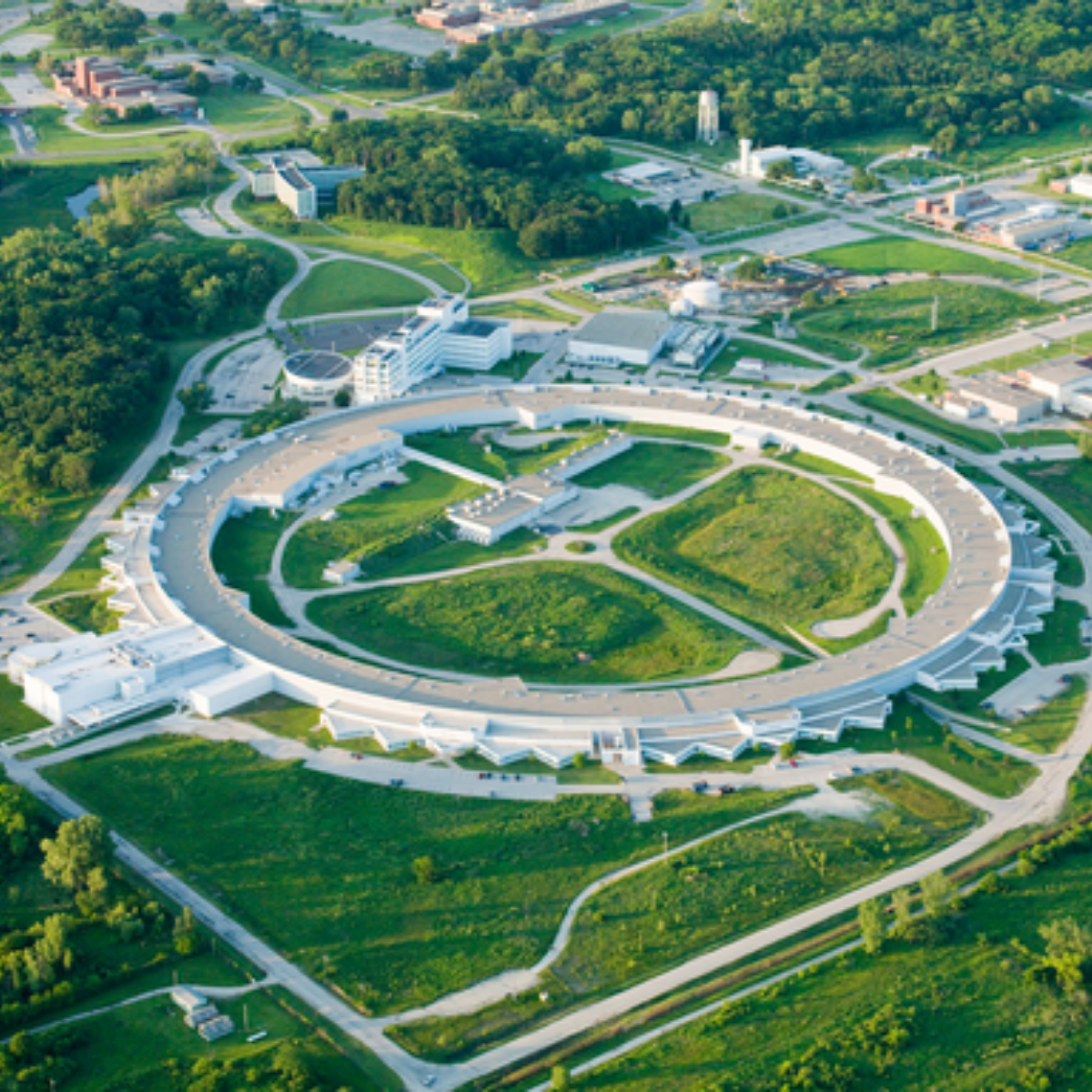 The Advanced Photon Source at Argonne National Lab, located about 20 miles southwest of downtown Chicago. (Photo courtesy of Argonne National Laboratory)