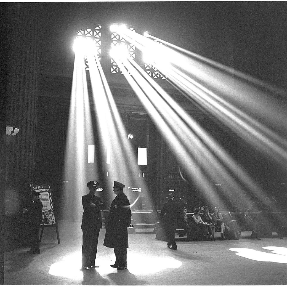 In the waiting room of Chicago's Union Station in January 1943. (Photo by  Jack Delano/The Library of Congress [No restrictions], via Wikimedia Commons).