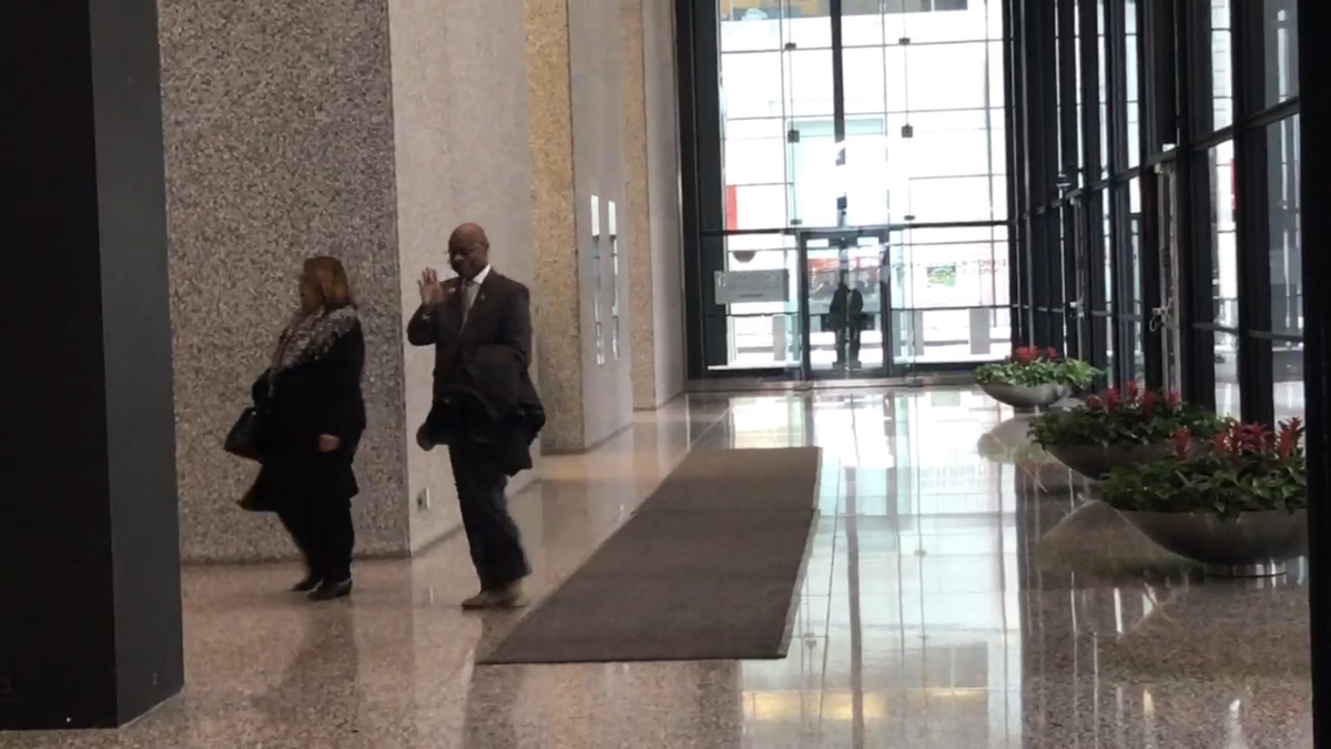 Ald. Willie Cochran, 20th Ward, exists Dirksen Federal Building after rejecting plea deal in November.
