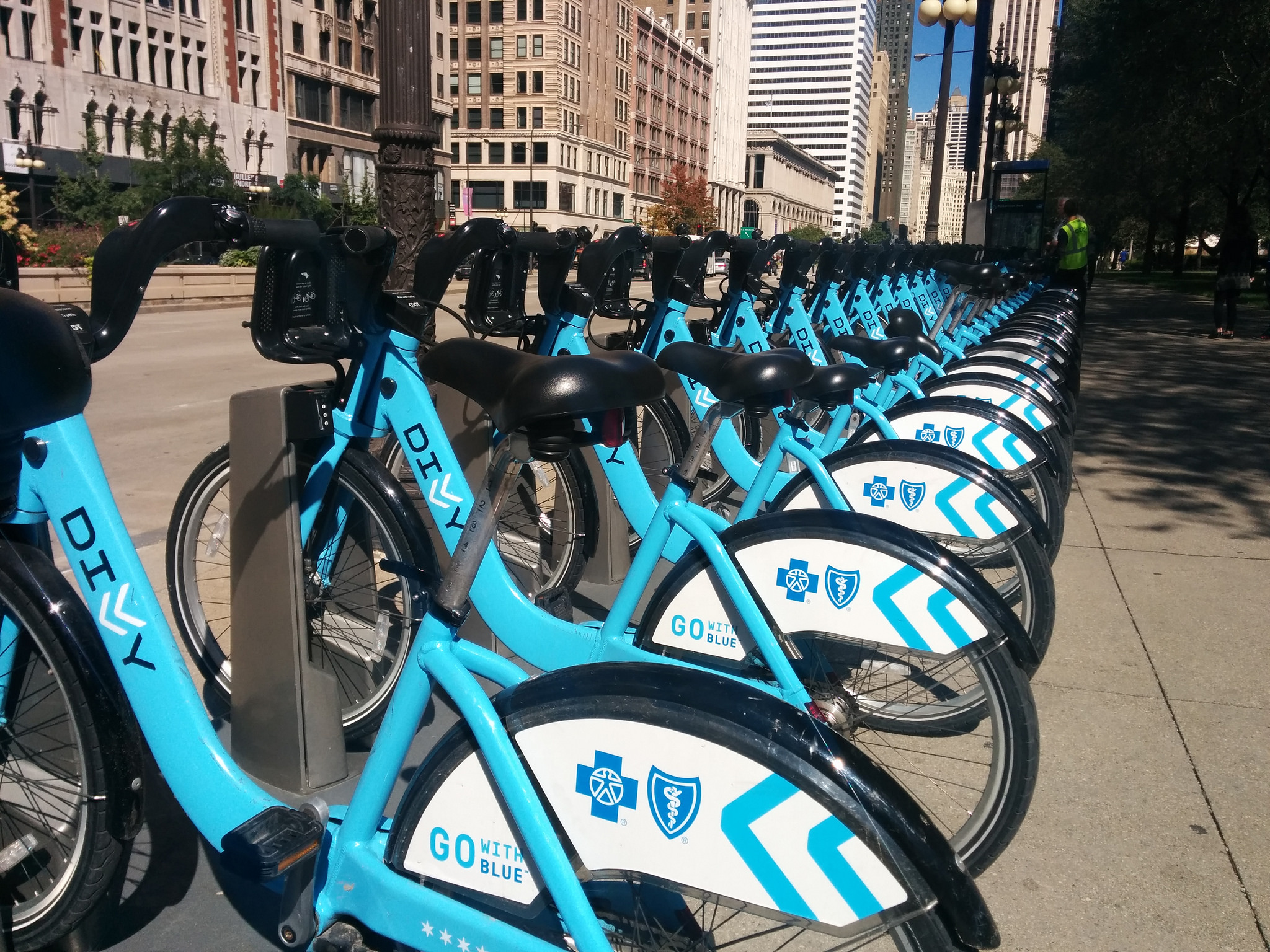 A rack of Divvy bikes in downtown Chicago. (Antonio Roberts/Flickr)