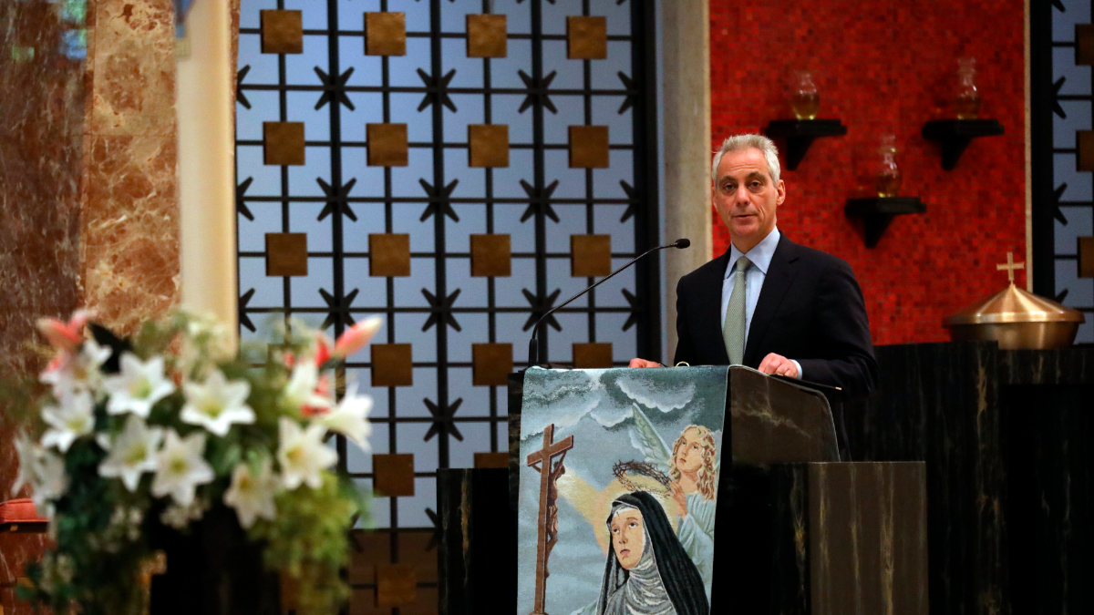 Chicago Mayor Rahm Emanuel speaks during the funeral service. (Abel Uribe/Chicago Tribune via AP, Pool)