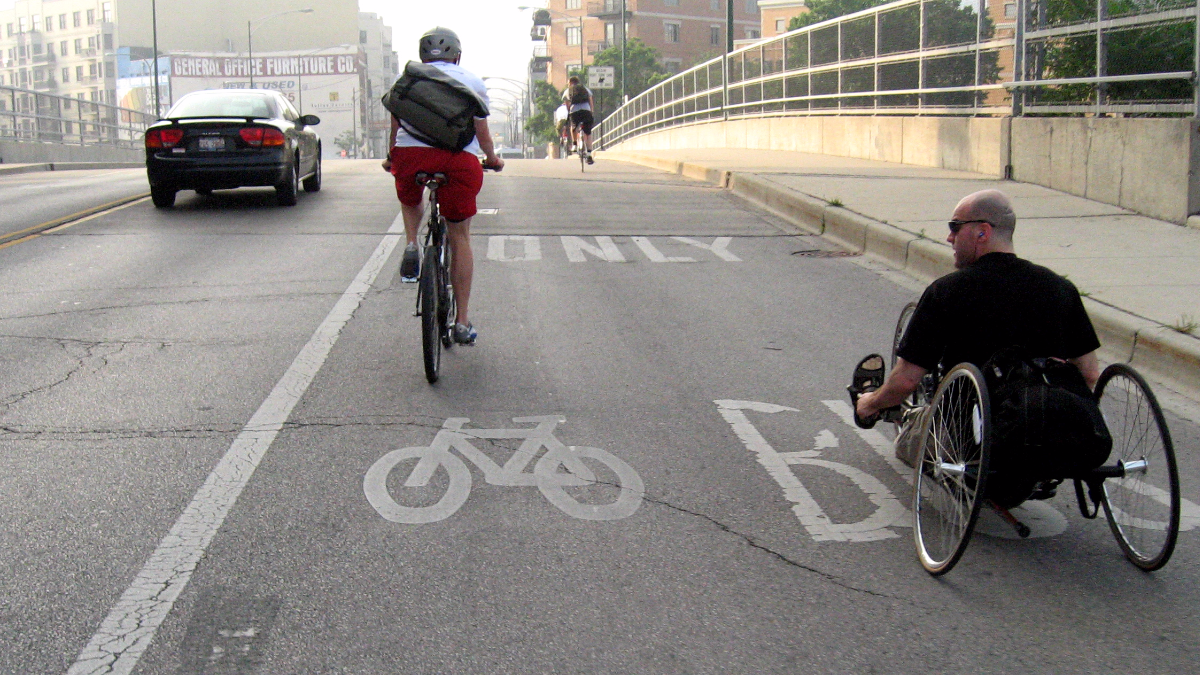 Cyclists commuting on Milwaukee Avenue in Chicago. (David B. Gleason/Flickr)