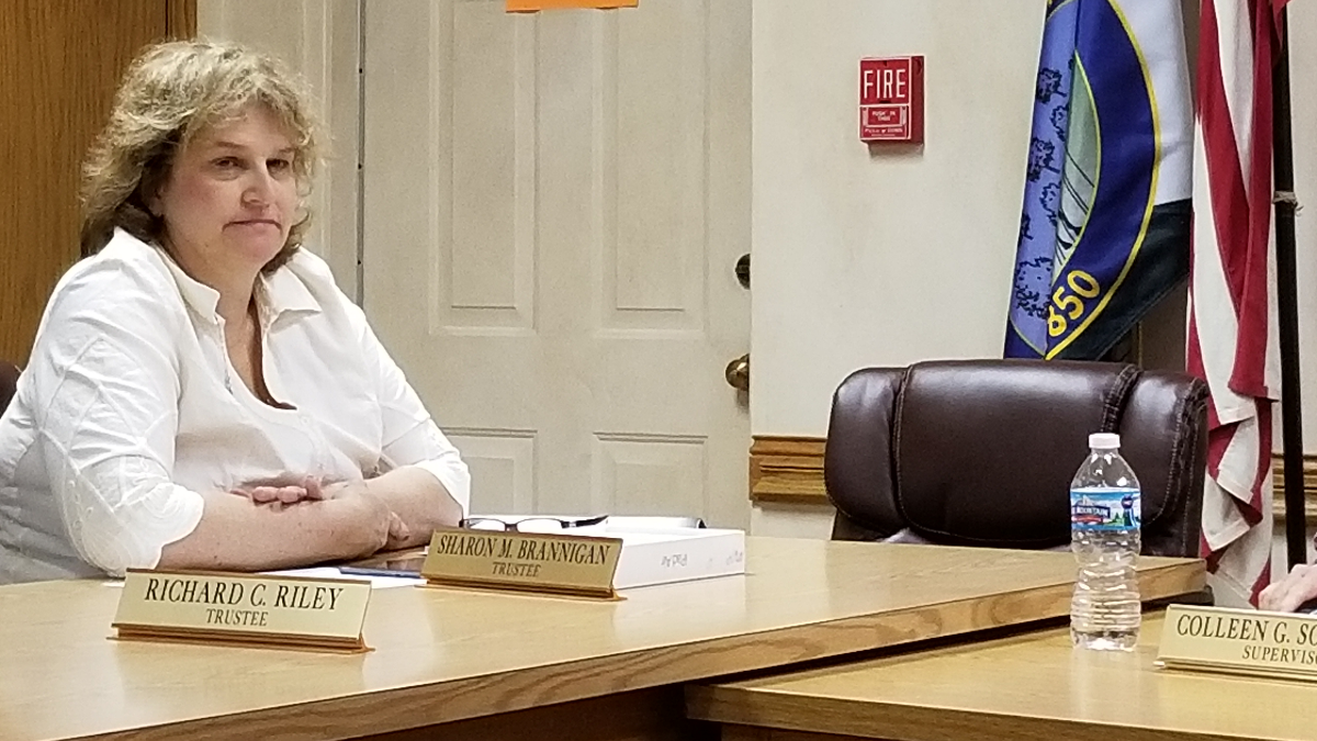 "Palos Township trustee Sharon Brannigan says she won't resign. ""The only thing you see is people screaming and whining and crying until they get what they want, and that's not how our system of government works,"" said Brannigan. (Linda Lutton/WBEZ)"