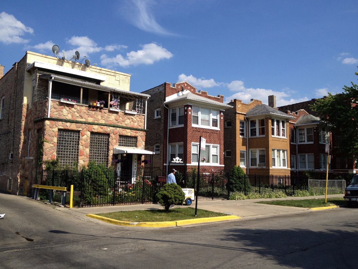 One reason Chicago's Albany Park neighborhood has a large density of families with children is its older housing stock, according to UIC's Janet Smith. (ian freimuth/flickr)