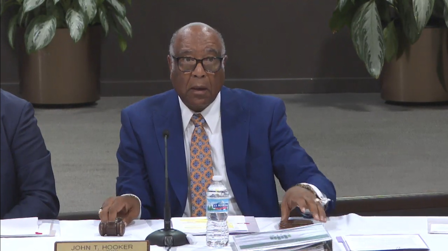 Chicago Housing Authority Board Chair To Step Down