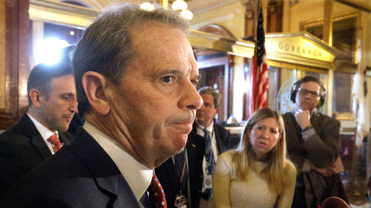Illinois Senate President John Cullerton, D-Chicago, speaks to reporters outside Gov. Bruce Rauner's office during a veto session at the Illinois State Capitol on Dec. 1, 2016, in Springfield, Ill. (Seth Perlman/Associated Press)